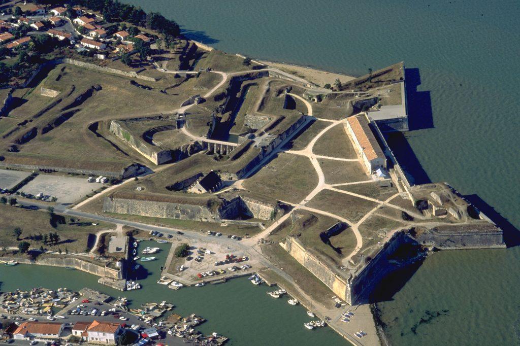 Vue aérienne de la citadelle du Château d'Oléron