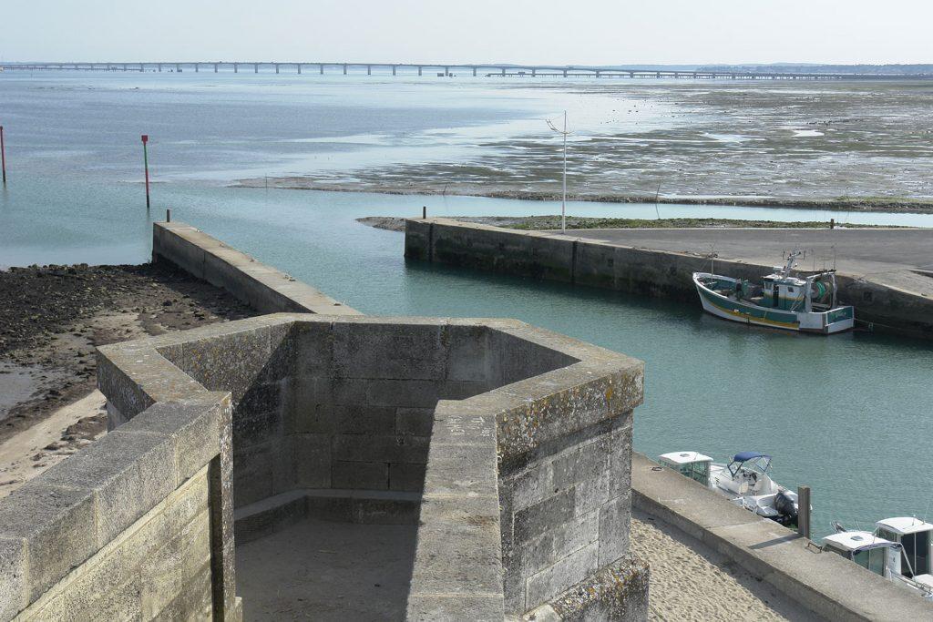 La citadelle du Château d'Oléron, vue sur le pont