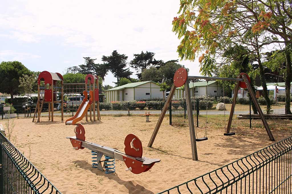 Camping les Coquettes, île d'Oléron, jeux enfants