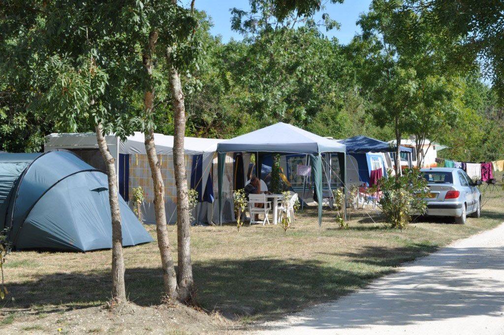 Camping la Maurie emplacement tente et caravane