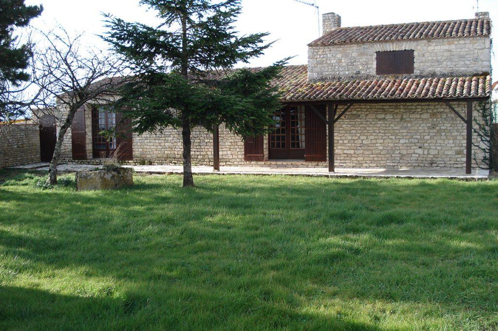 Location maison de pierres à Trillou, île d'Oléron