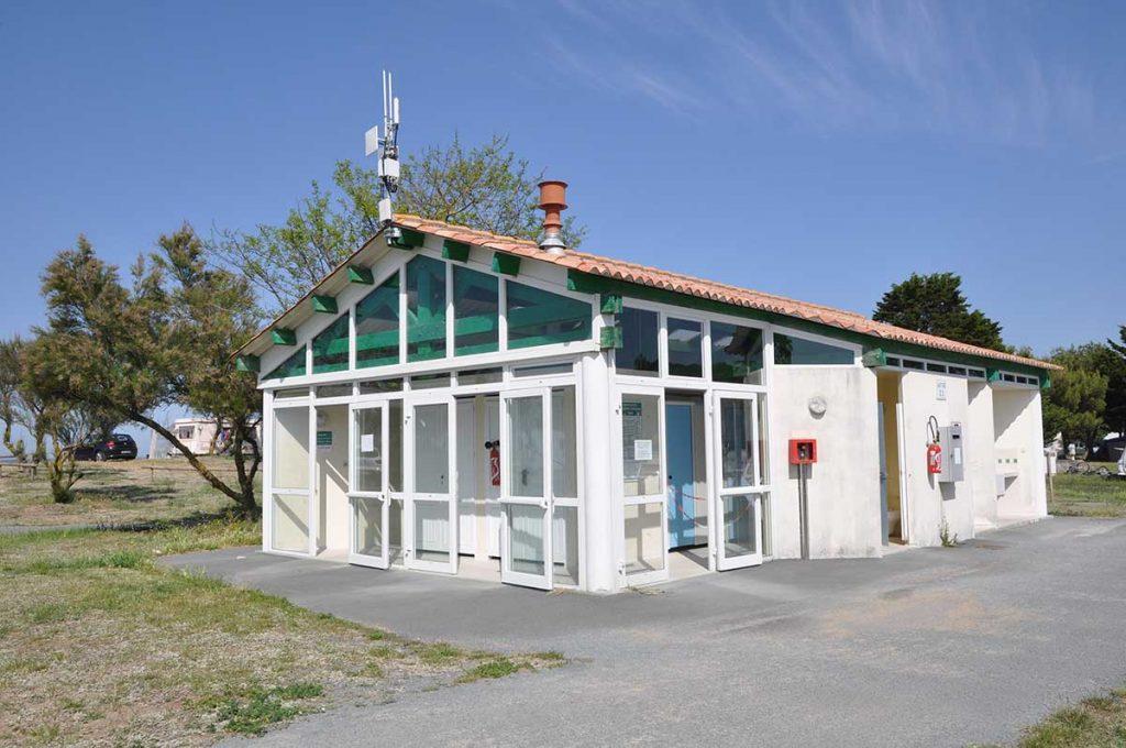 camping municipal de St Denis, île d'Oléron, sanitaires