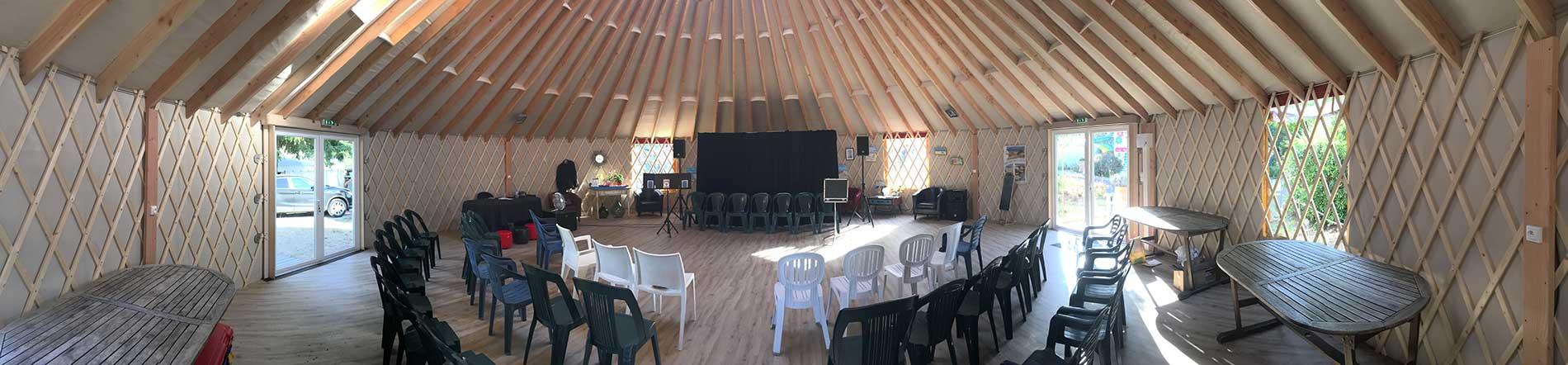Camping le Sous Bois, Oléron, yourte pour les animations
