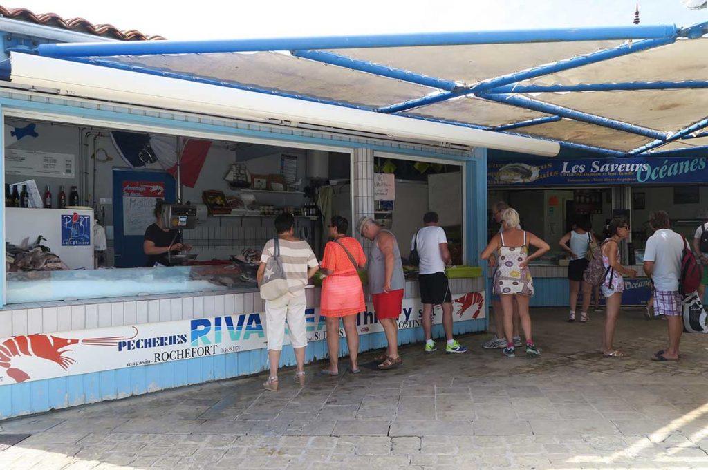 Marché poissons et crustacés, la Cotinière, île d'Oléron
