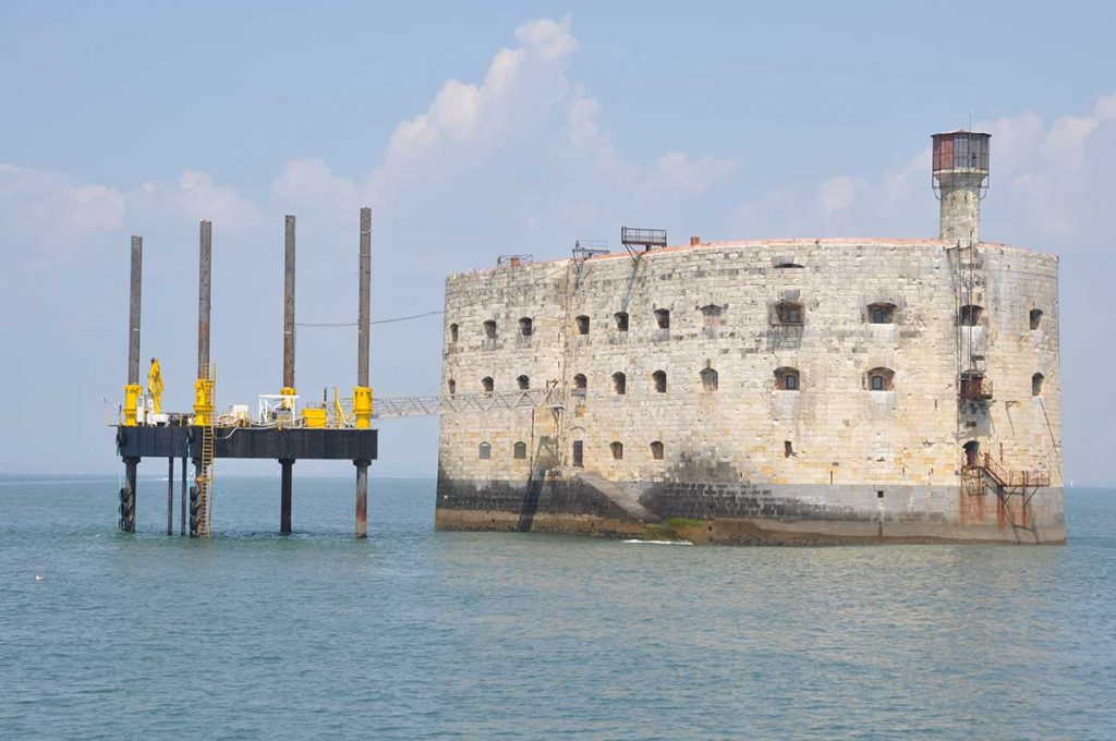 Fort Boyard, ponton pour jeux télé