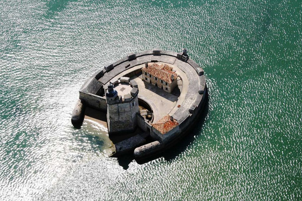 Fort Louvois, au pied du pont d'Oléron
