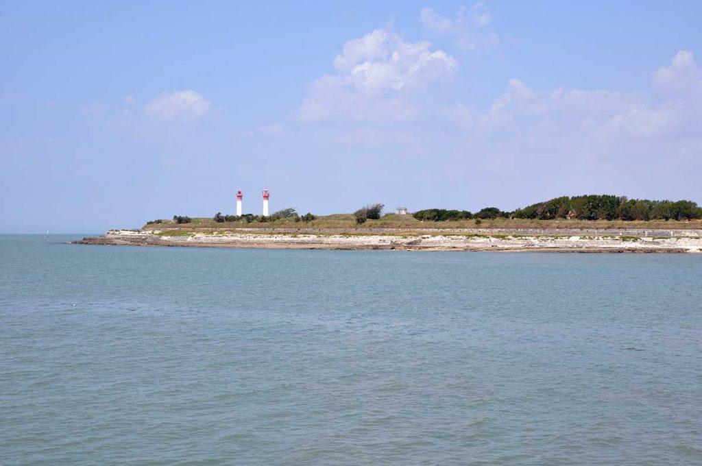 Ile d'Aix, phare constitué de 2 tours