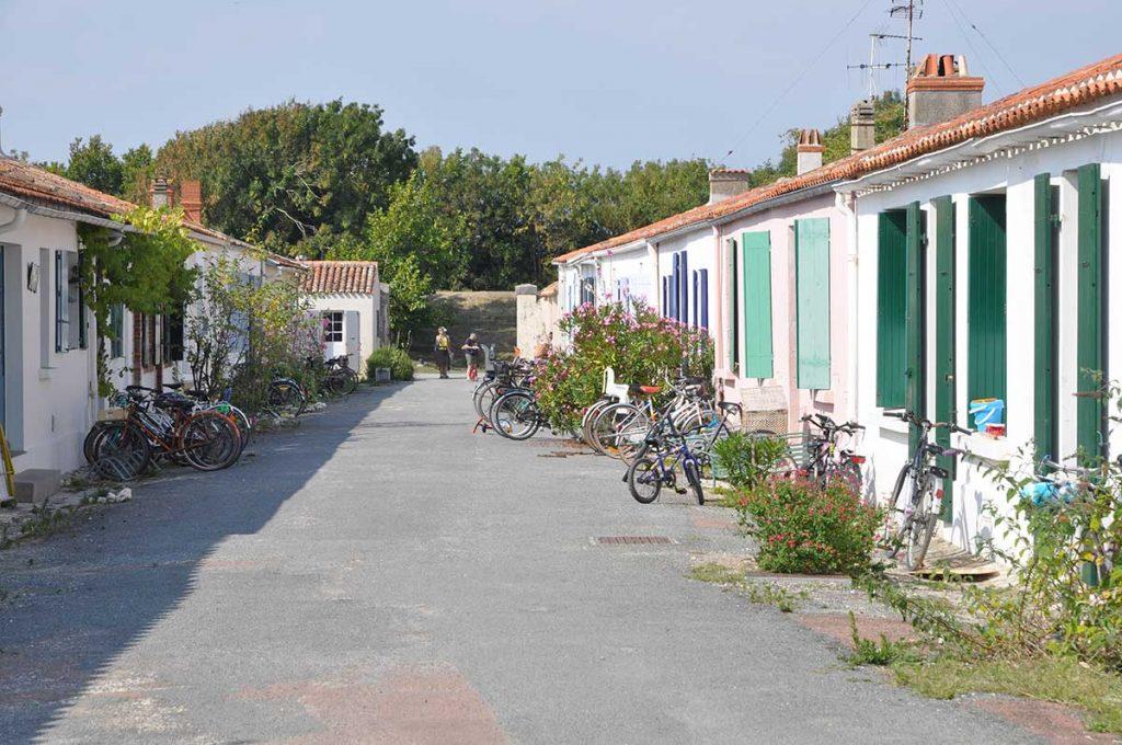 Ile d'Aix, à pied et en vélo