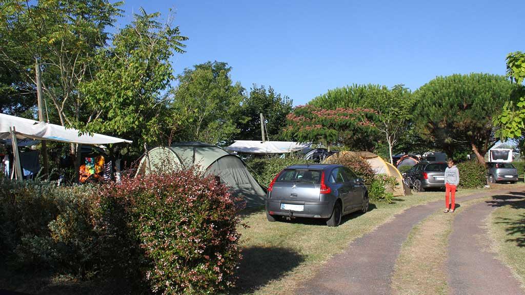 Camping la Brande, emplacement tente et caravane