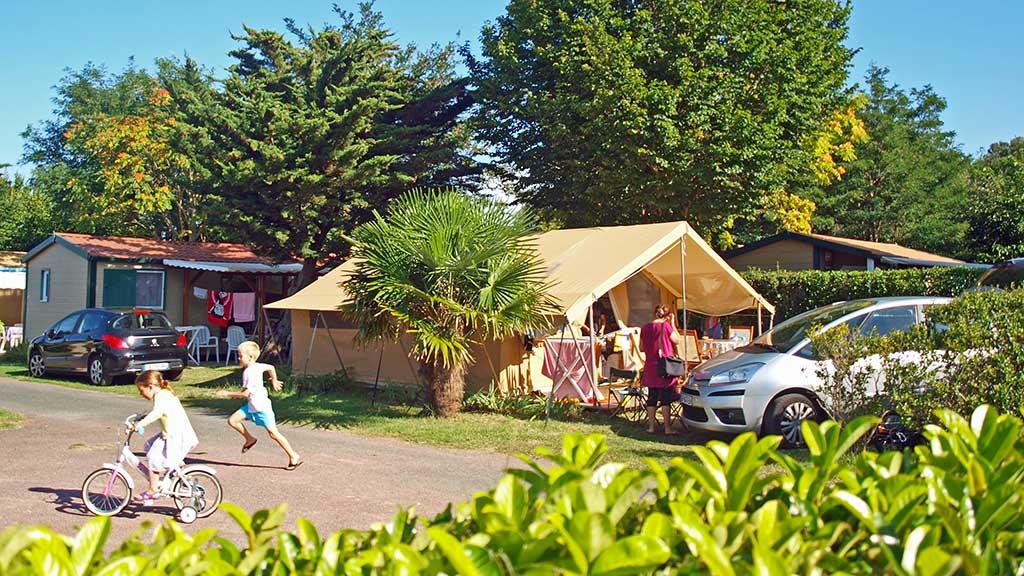 Camping la Brande, île d'Oléron, tente safari