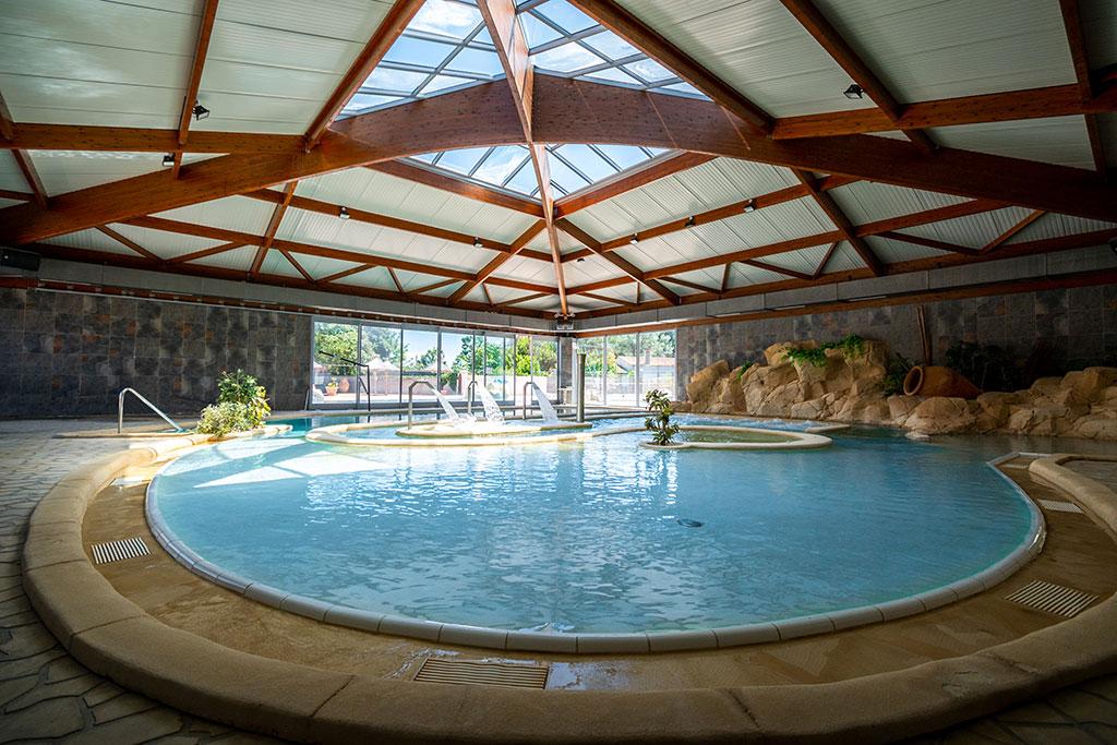 Spa et piscine du camping les Gros Joncs