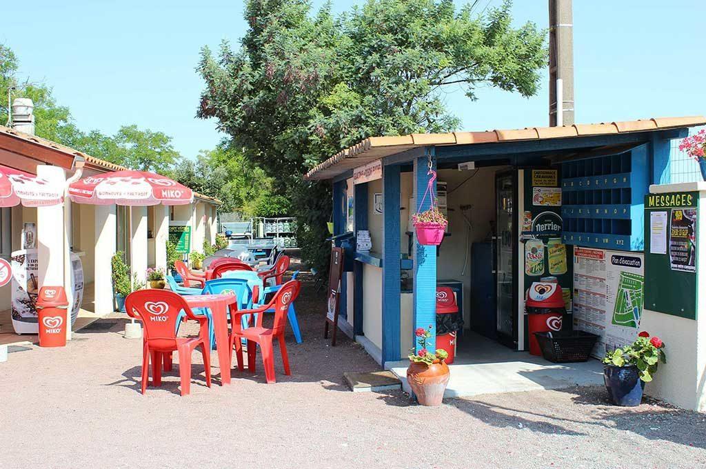 Camping Ostréa, île d'Oléron, épicerie, snack, buvette