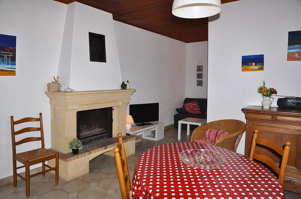 Location 2 Bouyer salle à manger et salon, île d'Oléron