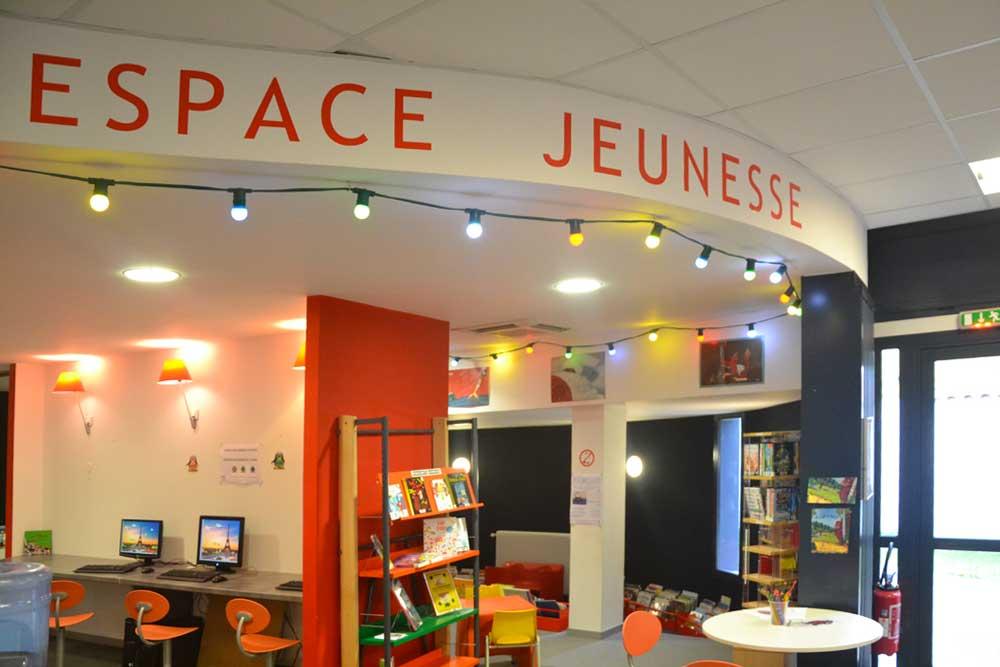 Médiathèque de St Pierre île d'Oléron, espace jeunesse