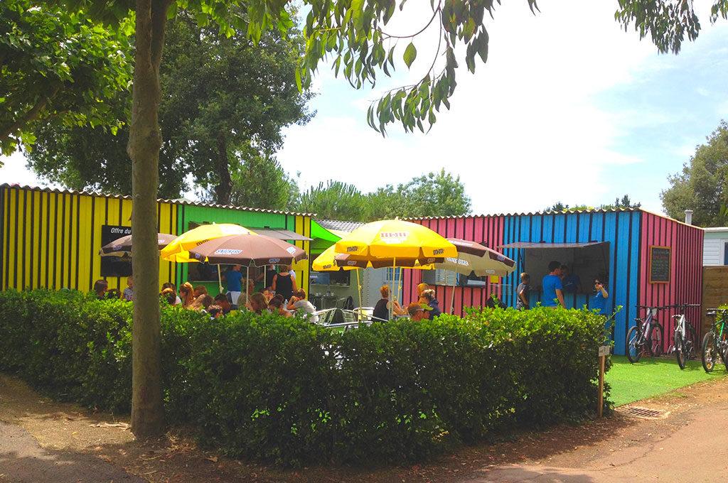 Camping la Boulinière à Oléron, le snack.