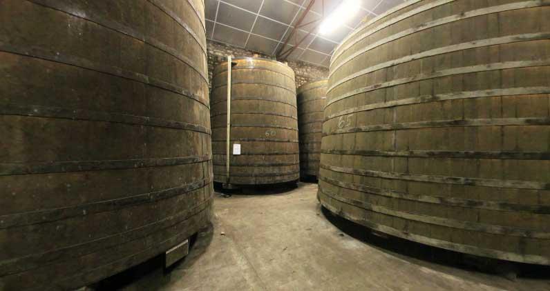 Les Vignerons d'Oléron, chai à eau de vie