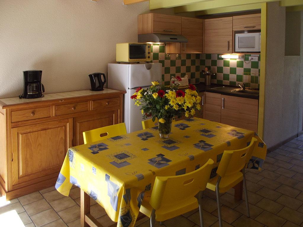 Résidence vacances la Forêt, île d'Oléron, salle à manger et cuisine