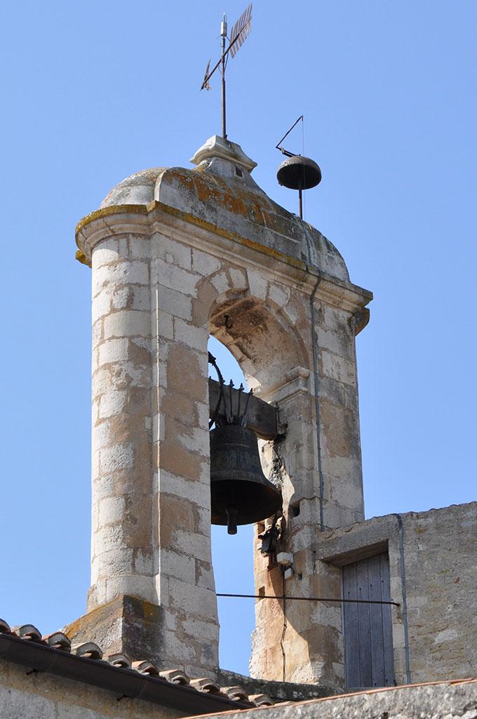 Louise la cloche de l'église de S-Georges est remplacée. Oléron