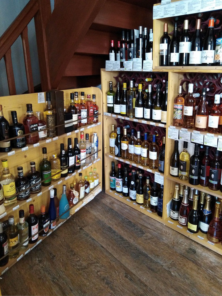 épicerie fine du Château d'Oléron, cave à vins et alcools