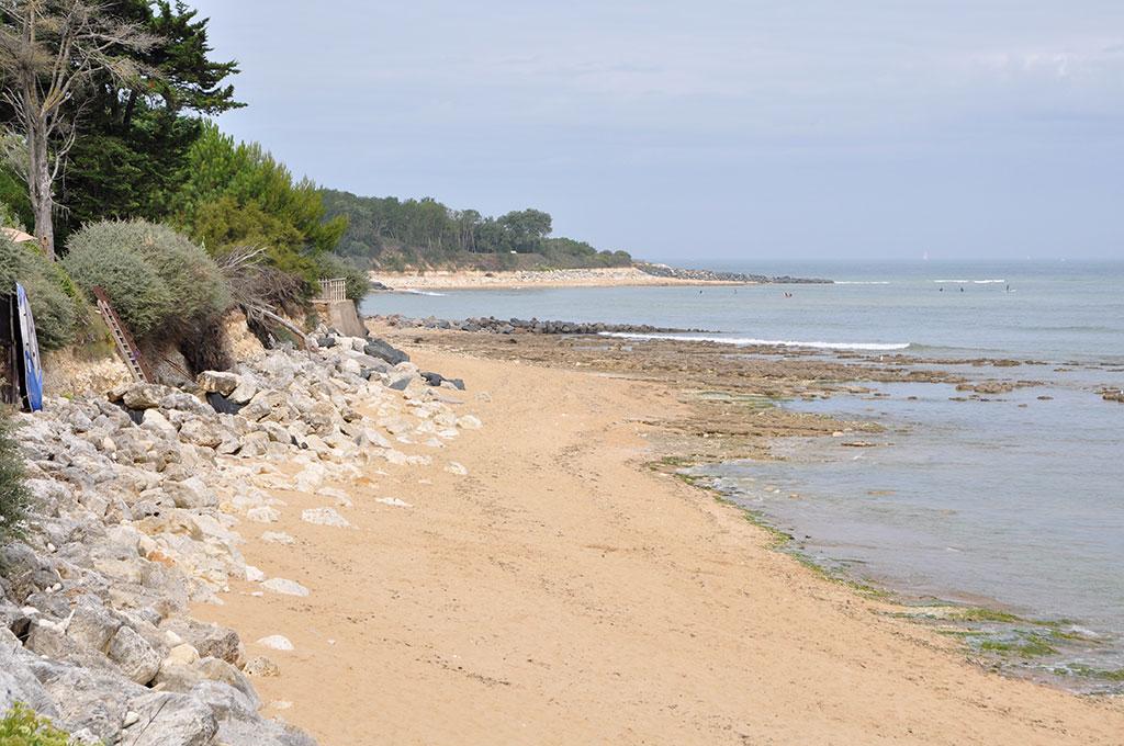 Plage des Boulassiers (au fond la plage de la Brée)
